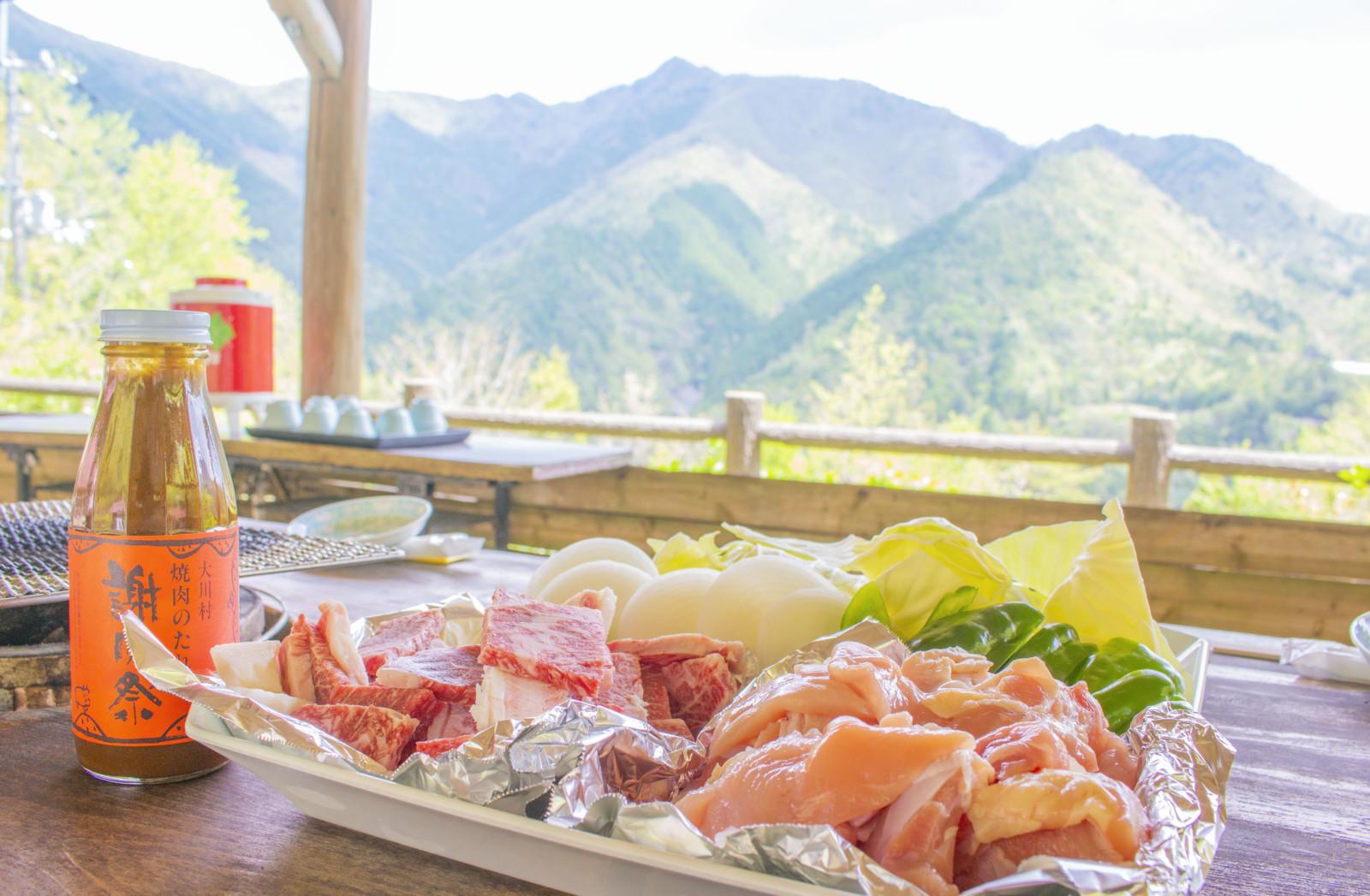 雄大な景色と美味しいお肉でBBQ!