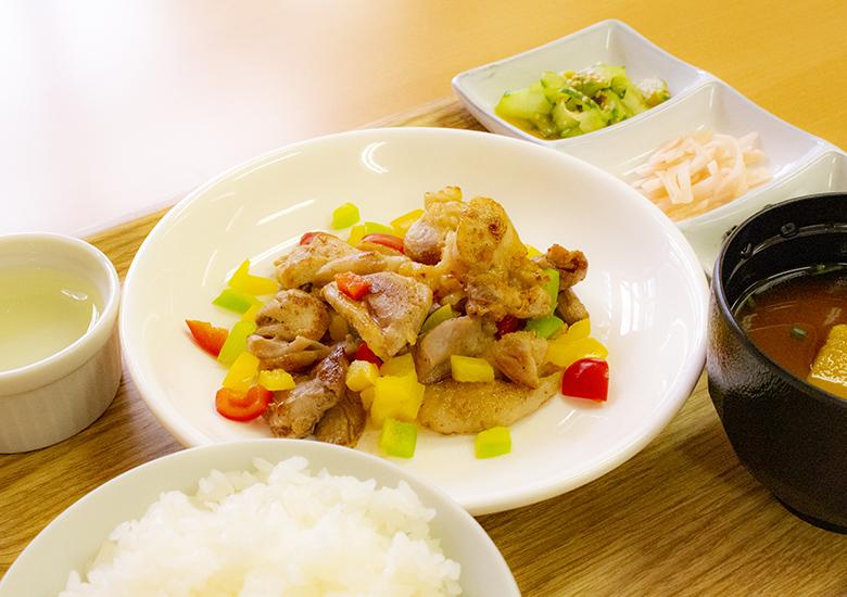 【結いの里】季節のはちきん地鶏定食