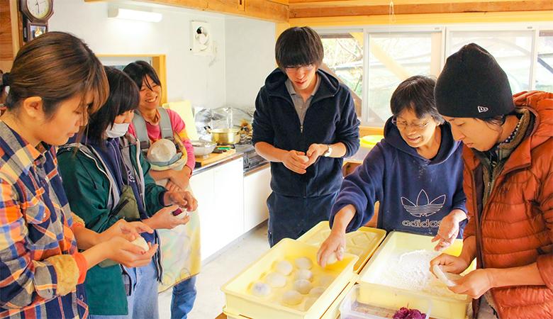 【大川村さくら祭】みんなで料理の支度